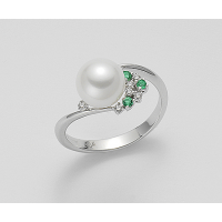 Mikiko ring with Diamonds and Emeralds